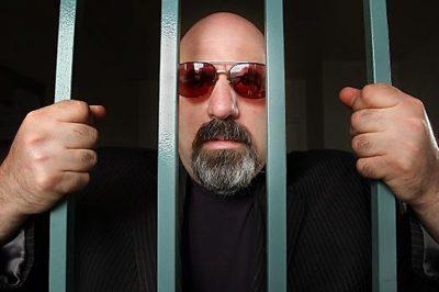 """Börtöntanácsok gazdagoknak: """"Kussolj, tisztelj mindenkit, ne keveredj bajba"""""""