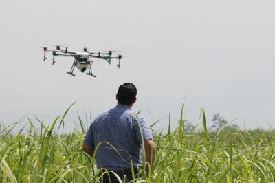 Megegyeztek a drónok és üzemeltetőik azonosíthatóságát előíró jogszabály bevezetéséről