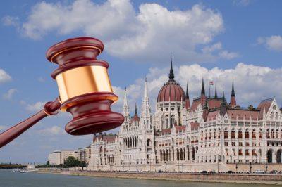 Módosulnak a közigazgatási bíróságokról szóló törvények - Az MHB szerint csak kozmetikai beavatkozás történt