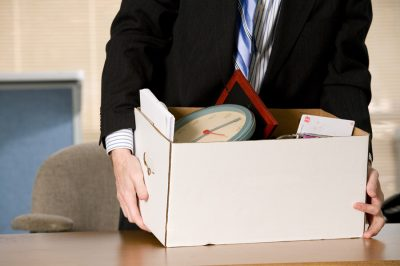 Kúriai iránymutatás: indoklás nélküli elbocsátás, egyenlő bánásmód