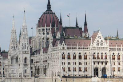 Negyvenhat törvényjavaslat szerepel az őszi törvényalkotási programjában