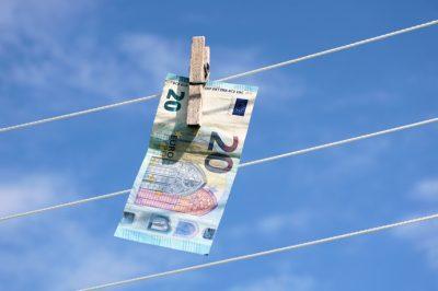 Nem bővül a pénzmosásban érintett országok EU-s listája