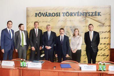 Partnerségi megállapodást kötött az FT a bonni tartományi bírósággal