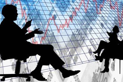 Teljeskörű tájékoztatásra kötelezettek a pénzügyi intézmények