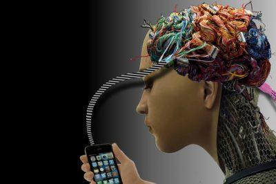 Önmagukat képző gépeket és növekvő számú kibertámadásokat hoz az idei év