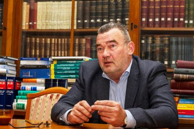 Fogvatartottak kapcsolattartása a nem védőként eljáró jogi képviselőkkel - erről szeretne többet tudni az ombudsman