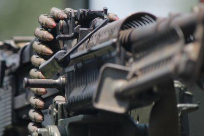 Szigorúbb fegyverkiviteli szabályokat sürget az EP
