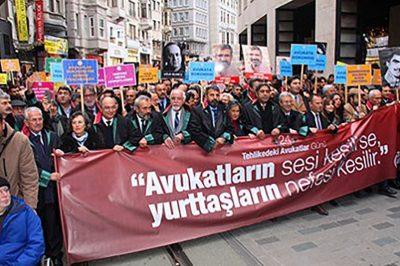 Több mint ötszáz őrizetbe vett török bíró és ügyész fordult az EJEB-hez