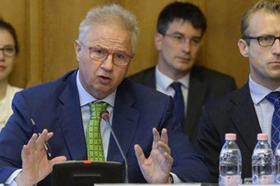 """""""A bírói függetlenség a demokrácia állócsillaga"""" - fogalmazott dr. Trócsányi László, de az OBH vs OBT ügyben nem foglalt állást"""