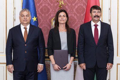 Kinevezték dr. Varga Juditot igazságügyi miniszternek, aki az országgyűlés előtt letette az esküt