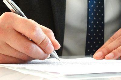 Vélemények a közigazgatási határozatokat érintő kúriai döntésről