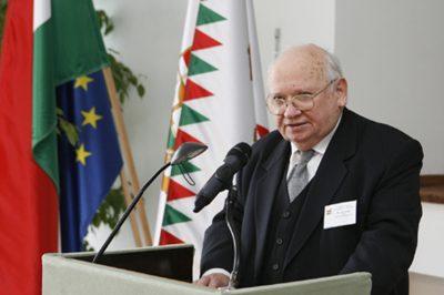 Hetvenedik születésnapja alkalmából köszöntötték dr. Vókó Györgyöt
