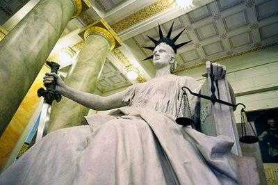 A politika befolyása a bíróságokra? - Dr. Fleck Zoltán kőkemény kritikája szerint