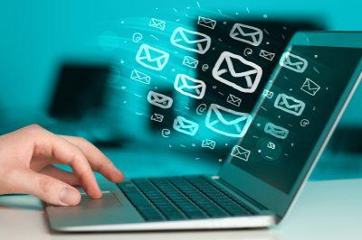 """Az e-mail csak akkor """"írásbeliség"""", ha azt fokozott biztonságú elektronikus aláírással írják alá"""
