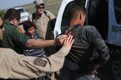"""Menekült ügyek: a """"visszatérési irányelv"""" nem zárja ki a büntetőjogi jogkövetkezmények alkalmazását"""