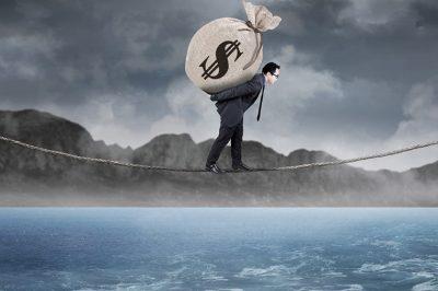 Offshore-kisokos kezdő adócsalóknak - Hogyan harcol a kormány? És mit mond az utca embere? (video)