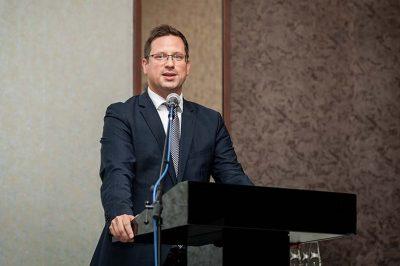 A kormánynak minden eszköz rendelkezésre áll a magyar érdek képviseletére - mondta dr. Gulyás Gergely miniszter
