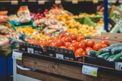 Jogsértő egyes termékek kiskereskedelmi árrésének magyarországi korlátozása