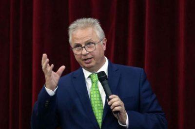 Dr. Trócsányi László válthatja dr. Áder Jánost a köztársasági elnöki székben