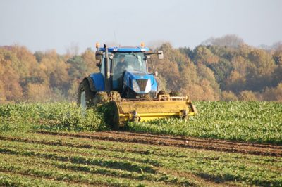 Jogellenes szabállyal védik a magyar termőföldet - EU-s elmarasztalás