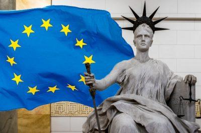 """""""A jogállamiság ismérveinek megjelenési formáiban elkerülhetetlenek az eltérések az egyes jogi kultúrákban"""" - A Kúria elnöke egyeztetett az Európai Bizottság 2021. évi Jogállamisági Jelentéséről"""