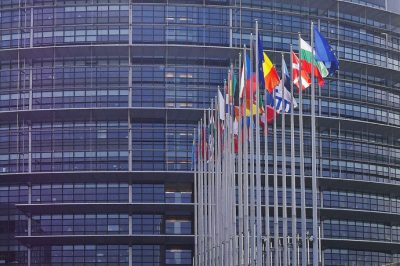 Az EP kész jogi lépéseket tenni az EB-vel szemben a jogállamisági feltételrendszer alkalmazására