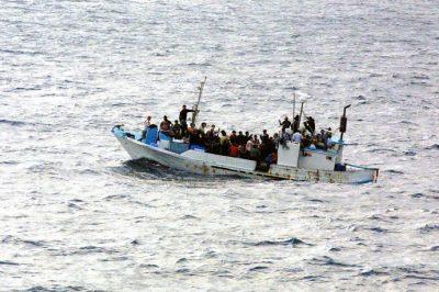 Az emberek több mint háromszorosára tippelik a bevándorlók számát a valóságosnál