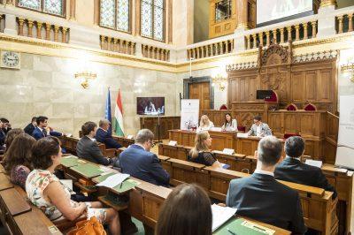 Az online térben is meg kell védeni az emberek jogait – Konferencia Európa jövőjéről