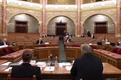 Az igazságügyi bizottság meghallgatta a Kúria, az OBH és a Legfőbb Ügyészség vezetőjének beszámolóját