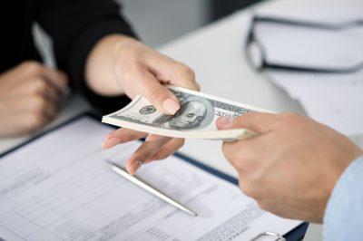 Az ügyvédi iroda ezentúl a vállalkozókkal azonos feltételek szerint jogosult kedvezményes kölcsönökre
