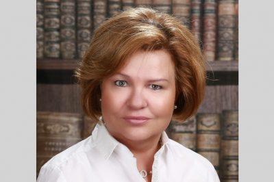 Nők a pályán – Sorozatunk hazai ügyvédnőkről -  Dr. Czuczay Marianna, Nyergesújfalu: Az ügyvédi tevékenység holnapjának hármas alapköve