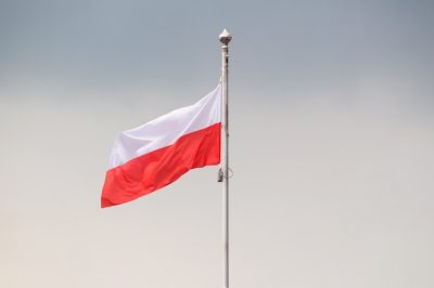 Feloszlatják az EUB által kifogásolt bírósági tanácsot Lengyelországban