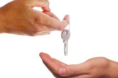 Hogyan kell a bérbeadást számlázni, ha két tulajdonosa van az ingatlannak?