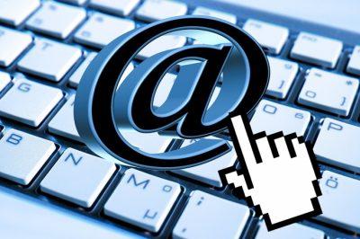 Hogy kezelhetjük szabályszerűen egy kolléga levelezését?