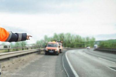 Közfeladatot ellátó személynek minősülnek az útellenőrök