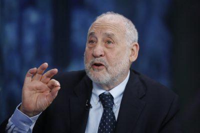 Zéró toleranciára van szükség az adóeltitkolással szemben - mondja a Nobel-díjas Stiglitz
