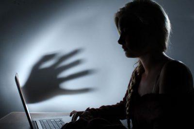 Új jogszabályt javasol a gyermekek online szexuális zaklatásának felszámolására az Európai Bizottság