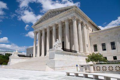 Az adományozók közzétételére vonatkozó követelmény sérti az egyesülési jogot - mondta ki az amerikai legfelsőbb bíróság