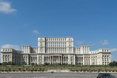 Behúzták a kéziféket - Sürgősségi rendelettel módosították az ügyészségi vezetők kiválasztásának szabályait Romániában