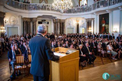 Ügyvéd oktatói munkájának elismerése az ELTÉ-n