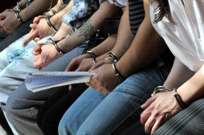 Kevesebb az előzetes letartóztatás, gyakoribb az alternatív kényszerintézkedés