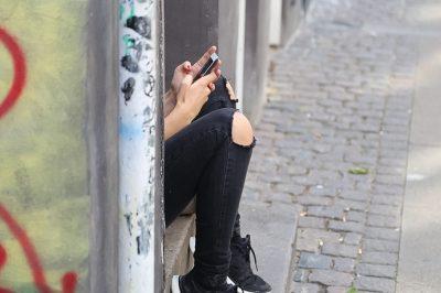 Nem büntethetőek a fiatalkorúak a prostitúció miatt – mondta ki az AB
