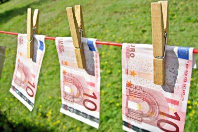Pénzmosás miatt közel 180 embert vettek őrizetbe - Európa-szerte