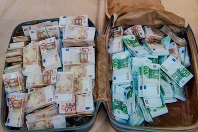 Kijátszott vagyonosodási vizsgálat - Pénzmosási kisokos