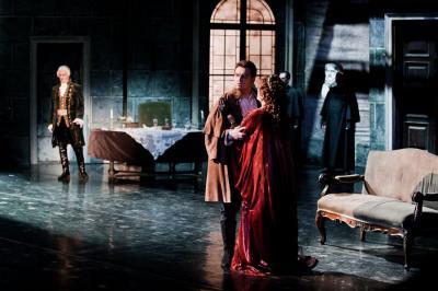 A paragrafus napja az Operában - október 21-én