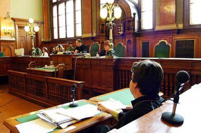 Süllyed az ügyvédség szakmai színvonala? -Társadalmi tükör