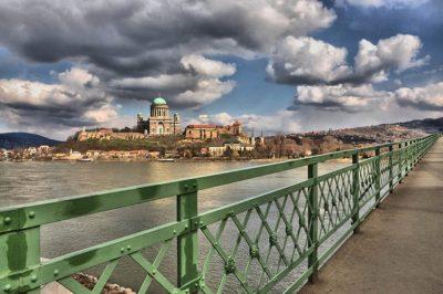 """Légiesült határok, keményebb kötelezettségek a """"látogatóknak"""" - Szlovák-magyar ügyvédtalálkozó Esztergomban"""